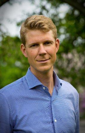 Dr. Martin Sjöström